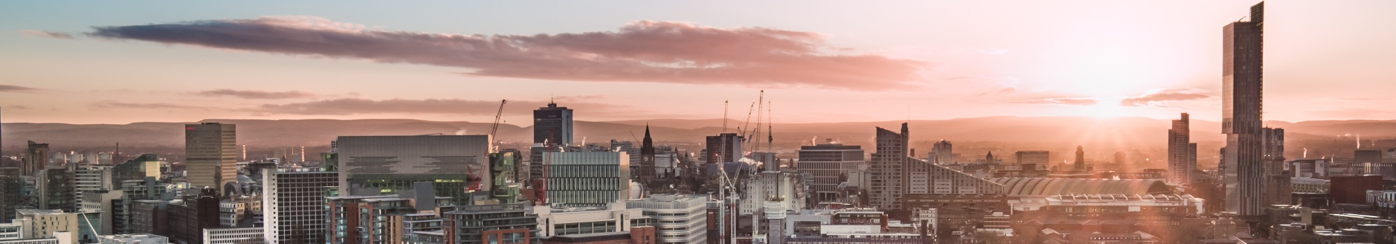 manchester-skyline-picture-id1067367850